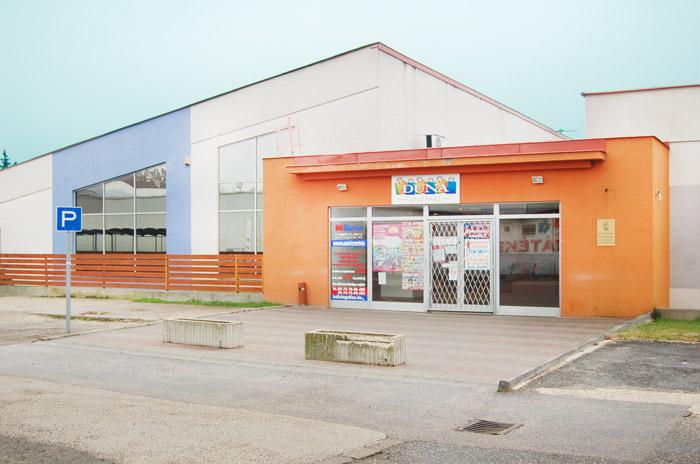 Vásár Market üzlet hátsó bejárat - 2310 Szigetszentmiklós, Gyári út 9.